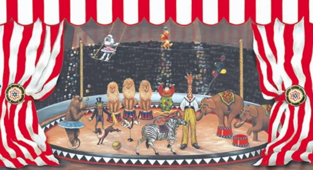 Circus_with_red_&_white_awning_5814720